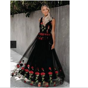 SIGN OF AFFECTION ROSE EMBROIDERED MAXI DRESS